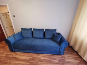 Canapea albastră Alexandra