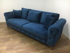 Canapea albastră model Riva