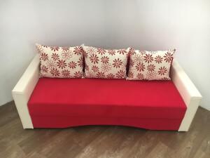 Canapea rosie - model Mirela
