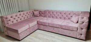Colțar roz pudră Chesterfield 1