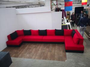 Colțar living roșu cu negru