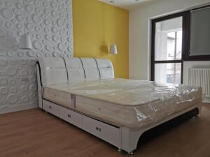 Pat tapițat alb cu 3 sertare model 603
