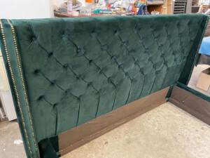 Tăblie verde pat tapițat model Minty